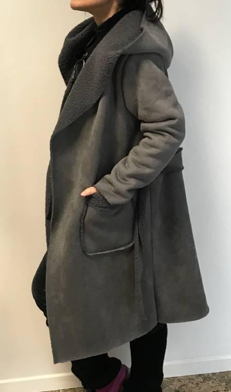 Zimski siv plašč