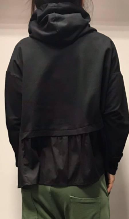 Črn kratek pulover